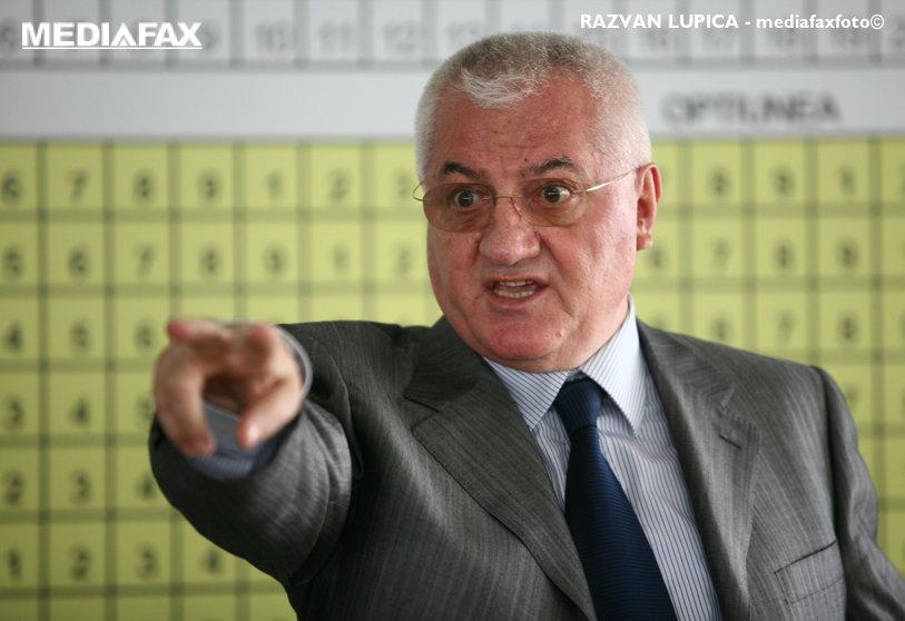 """Dumitru Dragomir ştie cine va câştiga alegerile pentru şefia FRF. """"E la 500 de kilometri în faţa lui Burleanu"""""""