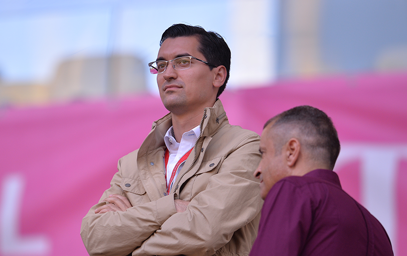 """Reacţia lui Răzvan Burleanu după anunţul lui Ionuţ Lupescu: """"Nu am emoţii, sunt susţinut de cluburi"""". Preşedintele FRF îşi ironizează contracandidatul: """"Nu mai avea o poziţie de viitor la UEFA"""""""