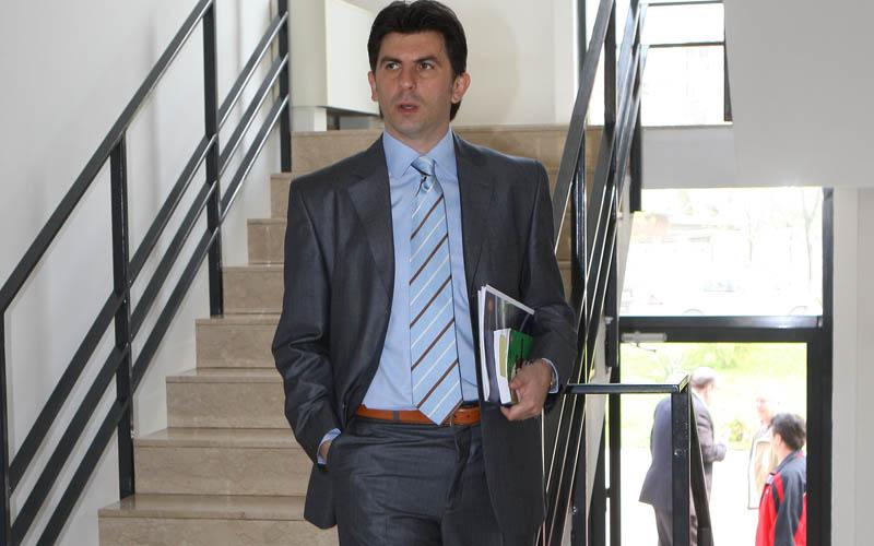 """Ionuţ Lupescu a anunţat când va începe campania pentru alegerile FRF şi echipa care-i va sta alături. Pe câte voturi se bazează """"Kaiserul"""""""