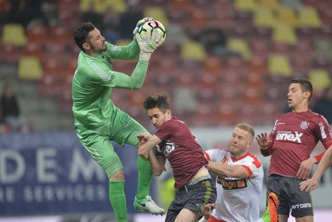 Mincă a revenit în Liga 1. Cu ce echipă a semnat portarul care s-a autopropus la FCSB