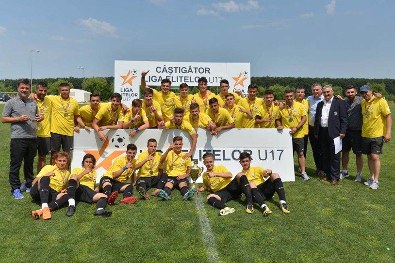 FC Viitorul a devenit campioană naţională la Juniori U17 după o finală cu CS U Craiova! VIDEO