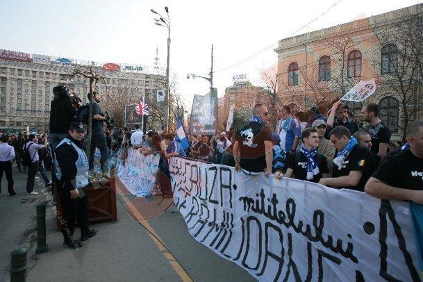 Proteste - Pagina 2 Bi005047