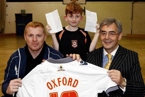 """Un puşti de 9 ani a aplicat pentru un post de antrenor, dar nu l-a obţinut: """"Ştiu că sunt mic, dar sunt ieftin"""". Surpriza făcută de cel care a fost numit în dauna sa pe banca celor de la Bolton"""