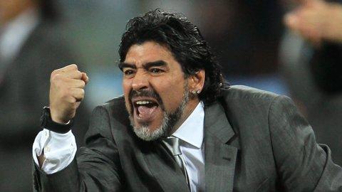 """Declaraţie de dragoste a marelui Diego. Maradona: """"Aş antrena naţionala Argentinei pe gratis"""". Care sunt, însă, variantele federaţiei"""