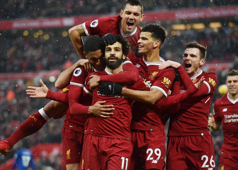 """Mohamed """"Aladin"""" Salah. Cum l-a felicitat egipteanul pe Dejan Lovren pentru cele 100 de meciuri în tricoul lui Liverpool :)"""