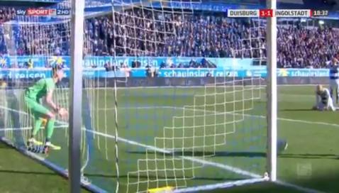 """Mai tare decât """"tontogolul"""" lui Nicoliţă. VIDEO   Gafa sezonului în Germania! Portarul s-a făcut de râs şi a ajuns vedetă pe reţelele sociale"""