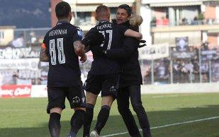 Performanţă remarcabilă pentru Răzvan Lucescu! PAOK Salonic spulberă adversarul şi va juca finala Cupei Greciei