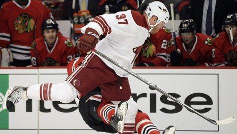 """VIDEO   Cea mai mare suspendare din istoria NHL: un hocheist stă pe tuşă 41 de jocuri pentru un atac groaznic în zona capului: """"A mai primit nouă suspendări pentru astfel de lovituri"""""""