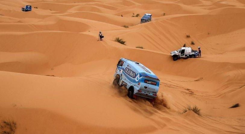 Dramă în raliul Dakar. Un spectator murit după ce a fost lovit de maşina unui concurent