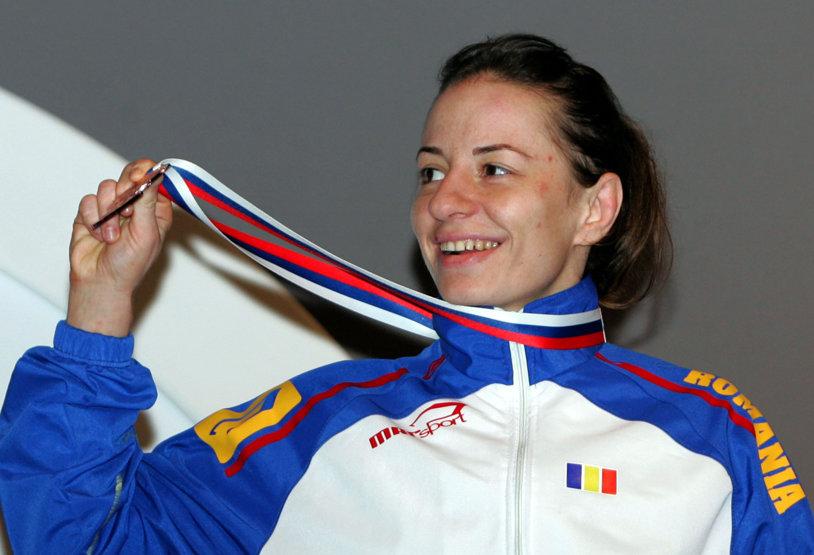 Ana Maria Pavăl, multiplă medaliată europeană la lupte, şi-a anunţat retragerea din activitate