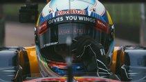 VIDEO REAL | Meci ireal: o maşină de Formula 1 contra unei echipe de rugby.  Ghici cine câştigă grămada ordonată