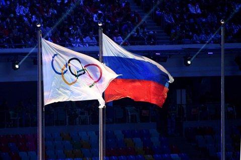 """Interzişi, sportivii ruşi şi-au luat destinele în propriile mâini. Reacţia prim-ministrului Dmitry Medvedev: """"Vor să înlăture adversarii puternici"""""""