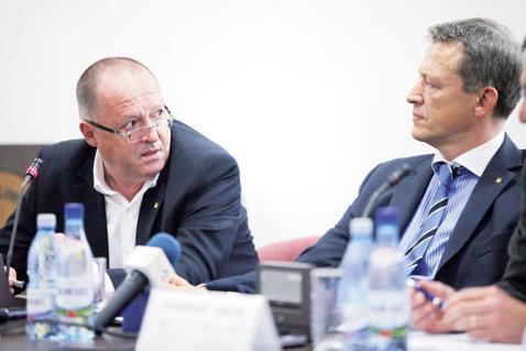 """Dezvăluiri la nivel înalt: Dobrescu a ascuns cifrele dezastrului din sportul românesc!? Gabi Szabo acuză: """"Prin interpuşii din minister şi COSR a blocat inclusiv finalizarea legii sportului!"""" Reacţia celui acuzat"""