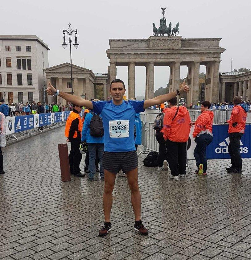 """Povestea unui român care a terminat Maratonul din Berlin: """"Am ajuns acolo în urma unei loterii! A fost ceva senzaţional"""". Ce program de pregătire a parcurs înainte de cursă"""