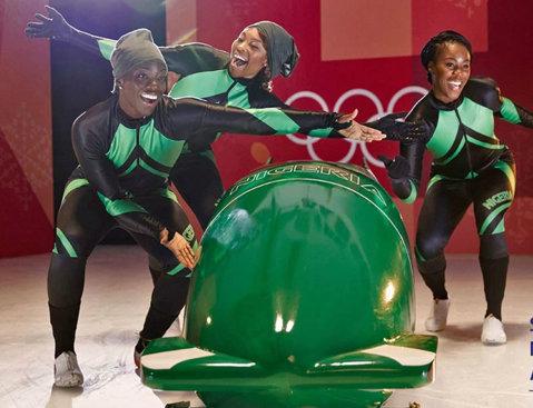 """Povestea unor fete din Nigeria care vor ajunge la Jocurile Olimpice de iarnă şi care capturează deja inimi din întreaga lume! """"Venim de pe un continent unde lumea nu îşi imaginează că ar putea aluneca pe gheaţă cu peste 100 km/h"""""""