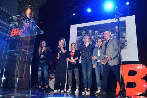 Naţionala feminină de tenis de masă, halterofila Loredana Toma, Andreea Răducan şi Andrei Roşu, premiaţi la Gala Valorilor de România