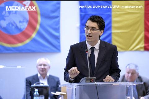 Mihai Mironică scrie despre promisiunile lui Burleanu şi problemele fotbalului românesc: Federaţia Română Falimentară