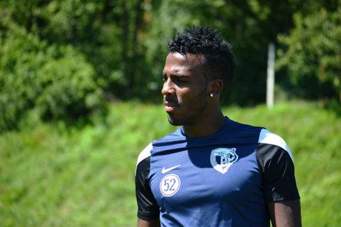 Brazilianul Romario Santos Pires şi-a reziliat contractul cu Petrolul şi va juca la Karpaty Lviv