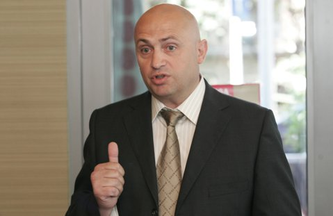 Liga Suporterilor Rapidişti solicită demisia acţionarului majoritar Valerii Moraru