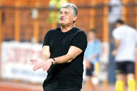 """Andone confirmă negocierile cu FC Braşov: """"Este vorba de un proiect ambiţios, pe trei ani"""". Clubul ar putea fi preluat de un grup de afacerişti"""