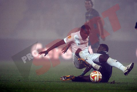 Două goluri, două eliminări, două penalty-uri, patru bare. Astra -  U Cluj 1-1