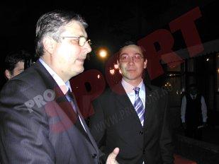 Decontul lui Gino după concediul petrecut în Emirate cu Ponta. Legătura dintre şeful LPF, liderii PSD şi contractul pentru drepturile TV. Se scufundă Iorgulescu odată cu Ponta şi Dragnea? Ironii în Liga 1 după nota de plată din Dubai