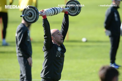 """Steaua l-a luat pe Guilherme, dar Reghecampf pariază tot pe Latovlevici: """"Ar trebui să fie numărul unu pe postul lui"""""""
