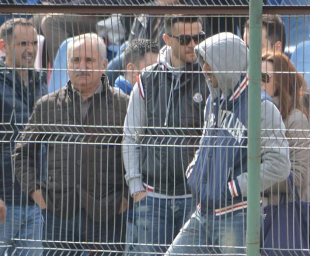 Florin Bratu și Ionel Dănciulescu au fost printre oficialii dinamoviști care au asistat la derbyul juniorilor mari. Foto Mihai Andrieș
