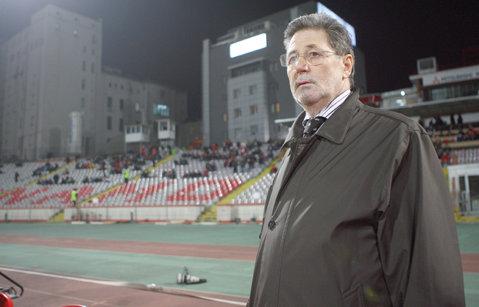 """Cornel Dinu îl face praf pe Flavius Stoican: """"Nu ştiu la ce câini a dat drumul. La Dinamo trebuie să te uiţi cu celebrul telescop din spaţiu ca să vezi vreo idee de joc"""""""