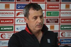 Mircea Rednic va fi instalat în locul lui Flavius Stoican la Dinamo. Conferinţa de prezentare a noului antrenor, întârziată