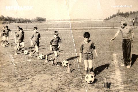 """Antrenorul care i-a descoperit pe Dan Petrescu şi Ilie Dumitrescu a murit la 85 de ani: """"Îmi spunea că îl aşteaptă copiii la antrenament, că trebuie să plece"""""""