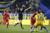 """""""Lupii"""" au fost miei în faţa """"câinilor"""". Petrolul - Dinamo 0-3. Gavrilă, elevul de nota 10"""
