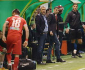 """Din respect pentru fanii Petrolului, Rednic nu a stat pe banca lui Dinamo: """"Mi-e ruşine că echipa e pe 8"""". Elhamed pleacă, dar tehnicianul anunţă o campanie de transferuri impresionantă"""