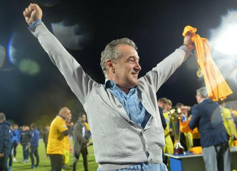 """Mutarea pregătită în cel mai mare secret de Steaua! """"La 14 ani eram campion mondial"""". Ce super jucător vrea să aducă Becali"""