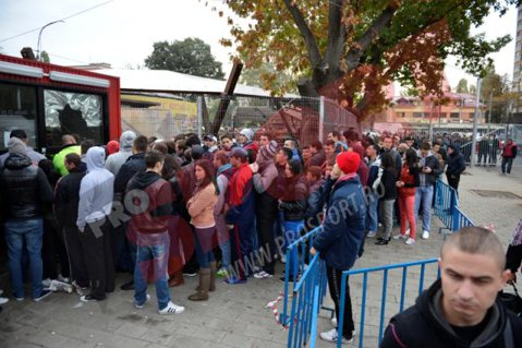 Fanii dinamovişti vor avea la dispoziţie 8.600 de bilete pentru derby-ul cu Steaua