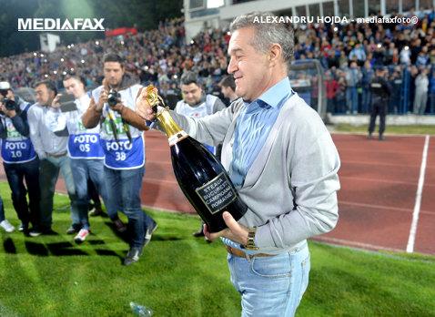 """Becali a anunţat că sunt ca şi transferaţi la Steaua, FRF spune """"STOP"""". Decizia care îi dă toate planurile peste cap campioanei"""