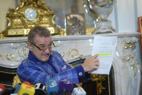 """Conferinţa lui Gigi Becali. Patronul Stelei a anunţat în ce condiţii renunţă la club: """"Am 10 milioane de euro în conturile Stelei, dar îi iau. Mi-ar plăcea să mă duc la Petrolul. E aproape de Bucureşti, tribune pline...zeu"""""""