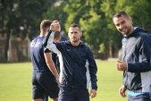 Situaţie gravă la un club din Liga 1: un jucător vrea să-şi DEMITĂ antrenorul. Patronul echipei confirmă incidentul
