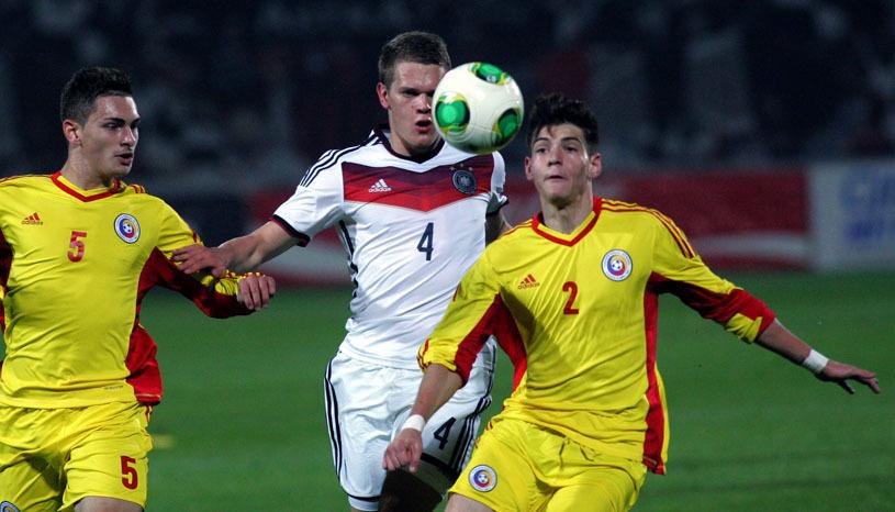 Şansa carierei pentru un tânăr fotbalist român! Poate pleca din Liga 1 direct la un club de tradiţie al Europei