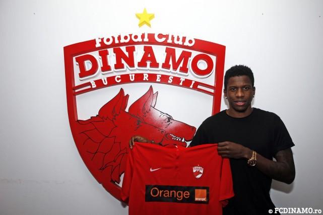 OFICIAL | Dinamo a mai reuşit un transfer. Un fost coleg al lui Florin Andone la Cordoba vine în Ştefan cel Mare: are 14 meciuri în Primera Division şi două în naţionala Camerunului