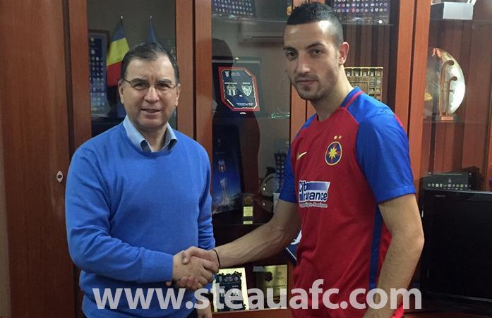 OFICIAL | Prima imagine în tricoul Stelei. Momcilovic a semnat contractul cu echipa lui Reghecampf
