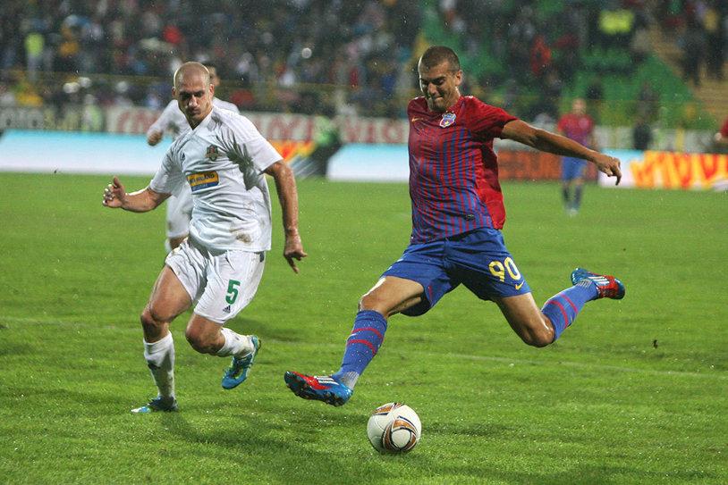 A fost PRIMUL transfer anunţat de Becali după venirea lui Reghe, dar n-a mai ajuns la Steaua! Anunţul făcut azi de actualul club