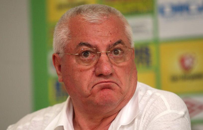 """Dumitru Dragomir a fost prezentat oficial la FC Voluntari: """"Dacă nu sunt bun, domnul primar să-şi aleagă alt armăsar"""". Răsturnare de situaţie: Mulţescu ar putea fi păstrat, deşi a fost demis"""