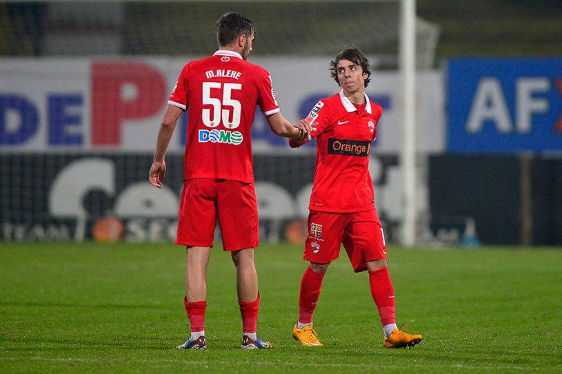 FOTO | Patrick Petre şi-a prelungit contractul cu Dinamo până în 2021. EXCLUSIV | Ce salariu va avea