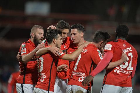 """Dinamoviştii vor să pună punct celor patru ani de 'secetă': """"Chiar dacă nu avem dreptul să jucăm într-o cupă europeană, toţi ne gândim la un trofeu"""""""