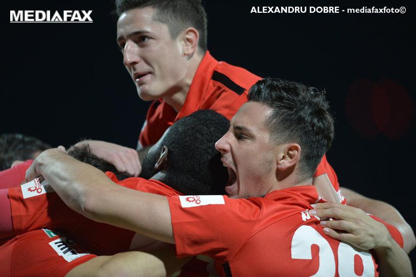 """Dinamo are o ofertă concretă de 1,3 milioane de euro pentru Filip! Dacă fundaşul va pleca, Peteleu va semna cu echipa din """"Ştefan cel Mare"""""""