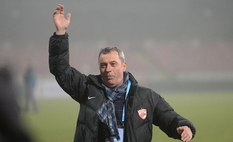 """Rednic, după 0-0 cu Steaua: """"Am avut două obiective"""". Antrenorul face front comun cu rivalul Reghecampf: """"Avem o bijuterie de stadion şi stăm şi ne uităm ca proştii la el"""""""