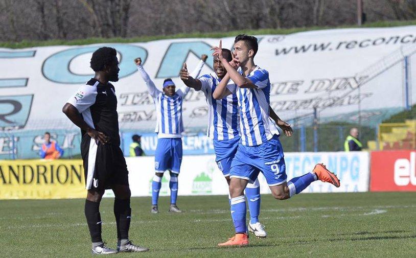 Oltenii au defilat în faţa unei echipe care a jucat o repriză întreagă în 9 oameni: CS U Craiova - FC Voluntari 3-0!