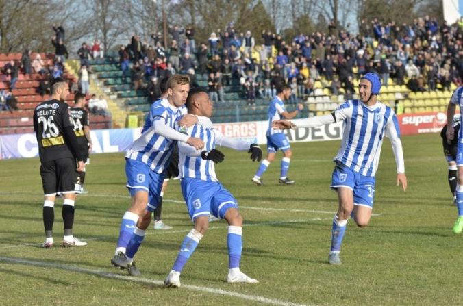 """Rocha l-a învins pe """"Flocea"""". CSU Craiova - ACS Poli Timişoara 1-0"""