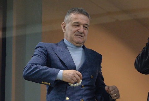 """Becali anunţă schimbări masive la Steaua: """"Luăm un atacant din Europa!"""" Cei şase jucători pe care îi lasă să plece şi pe cine vrea de la Viitorul"""